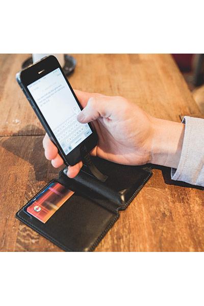 Lommebok med lader, iPhone 5, sort Seyvr » Bokklubben