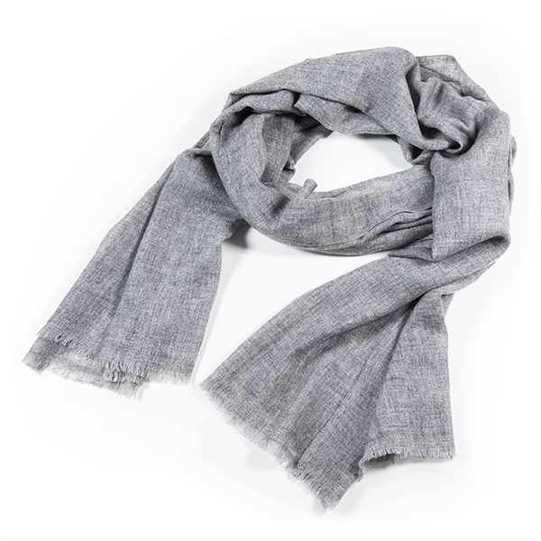 Skjerf Stenung lys grå ull kashmir - Alv Design » Bokklubben 91acff36fed6c